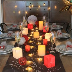 A twinkling table for christmas day